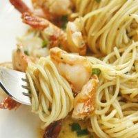 Consiente a tu familia con esta cremosa pasta con camarón y chipotle